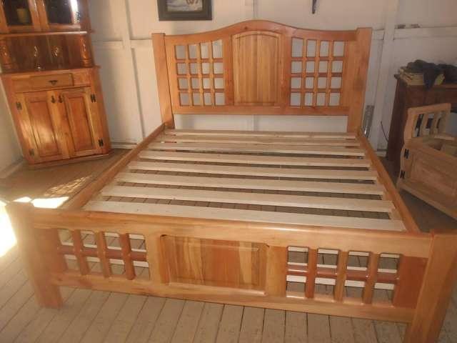 Camas de madera rauli en Malloa - Muebles | 552960