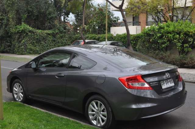 Honda civic coupe 2013 6.000 kms