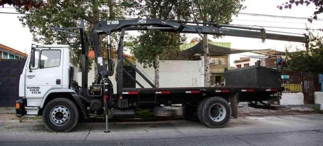 Vendo camion pluma mercedes benz pluma hiab