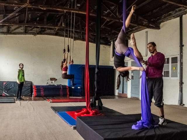 Taller de acrobacia aérea (tela y trapecio) en valparaiso