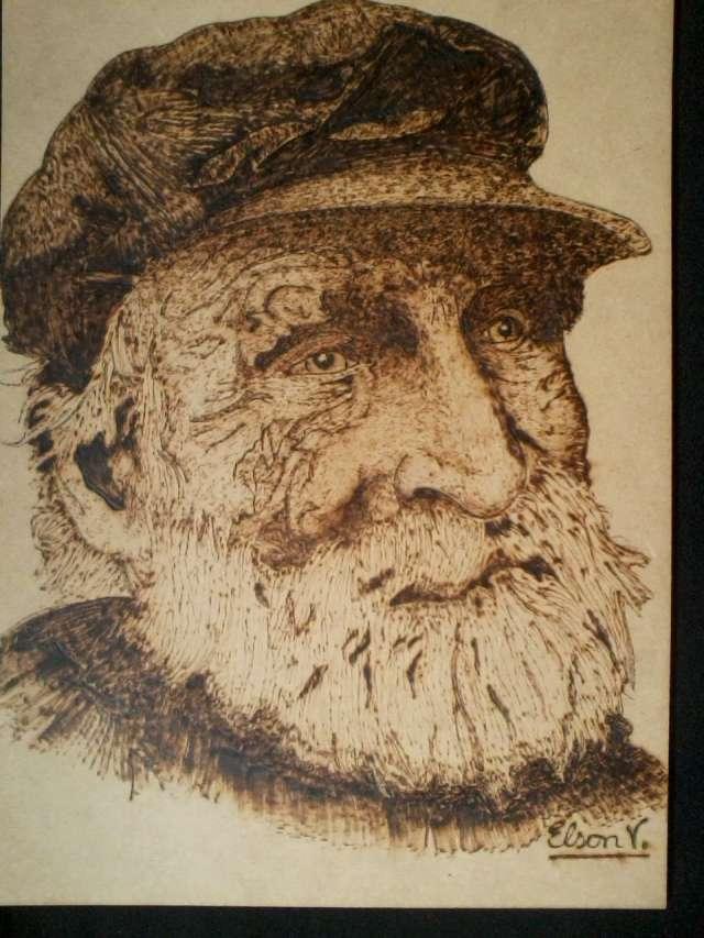 Pirografia artesanos unicos arte de grabar madera con calor
