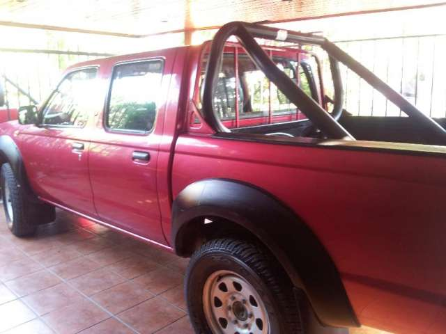 Vendo camioneta nissan terrano 2011 4x4 diesel