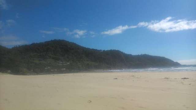 Playas blancas extensas.