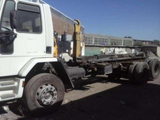 Vendo camion con ampliroll ford cargo 1416 año 2004
