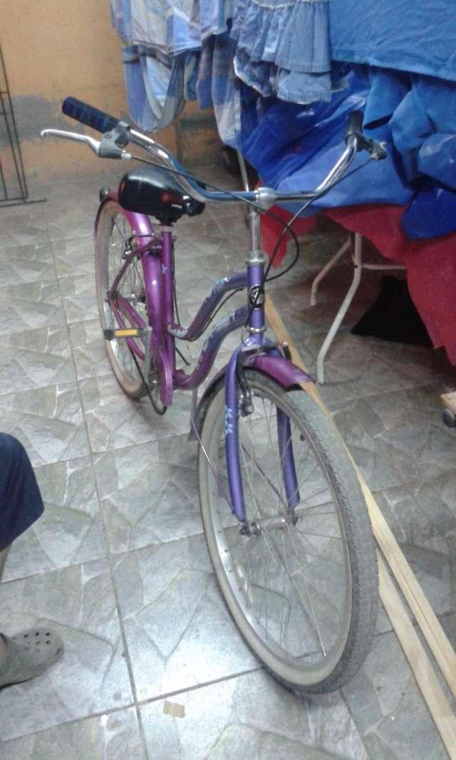 Vendo bicicleta poco uso para dama