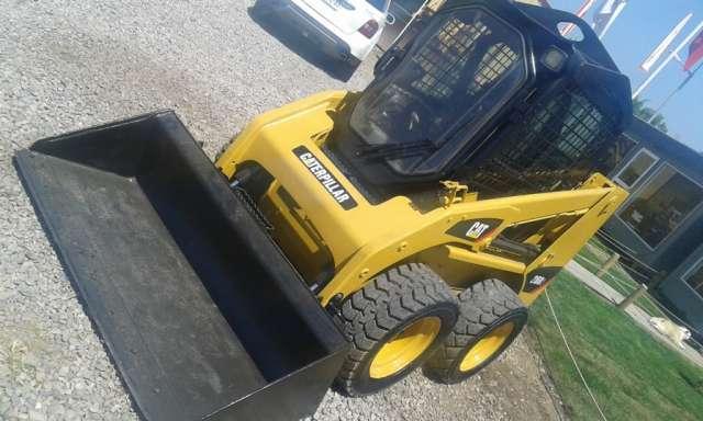 Mini cargador caterpillar