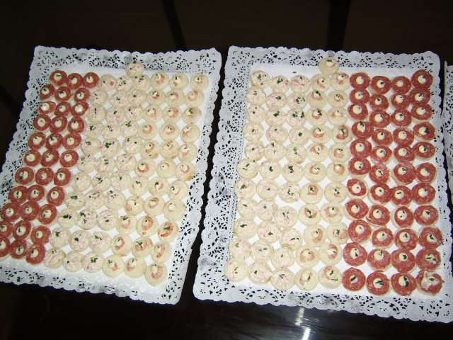 Pastelitos empanaditas canapes anticuchos brochetas tapaditos 53740606