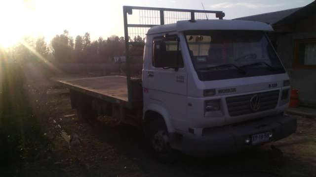 Camion wolvagen 8-120 año 2006