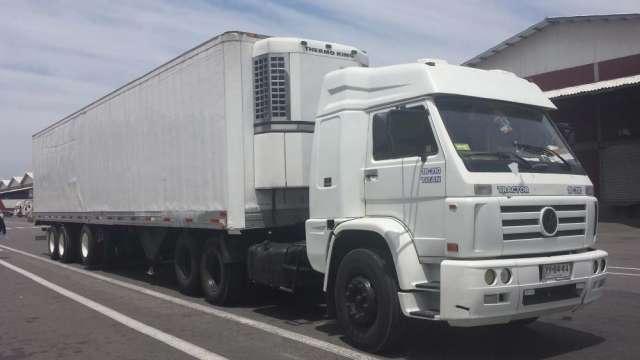 Camión con rampla refrigerada