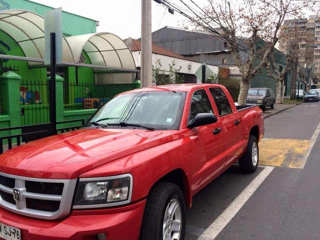 Vendo camionet 4x4 dodge dakota slt