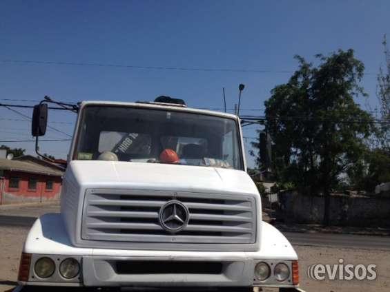 Vendo camion pluma mercedes benz año 98 impecable