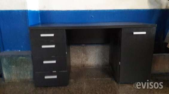 Mesa escritorio preciosa lacada negra impecable