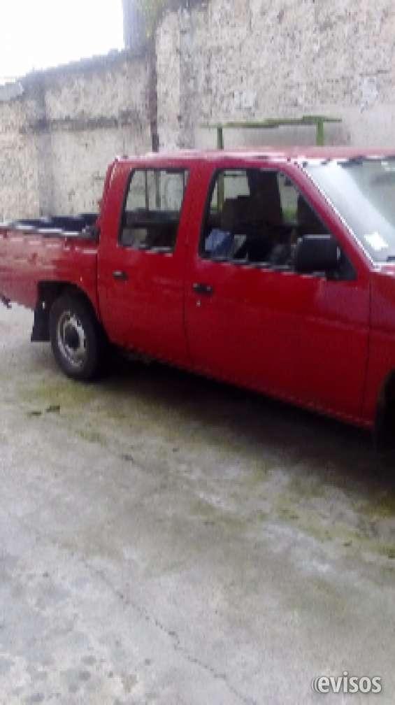 Vendo camioneta doble cabina nissan año 2007