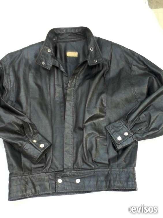 Vendo chaqueta de hombre cuero negro talla 50 (usada).
