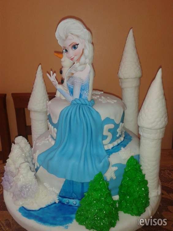 Torta de frozen con castillo de fondant