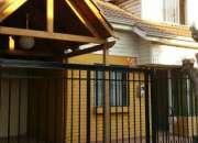 Arrienda casa 2 pisos independiente en Villa Santa Maria de Maipu. $450.000.