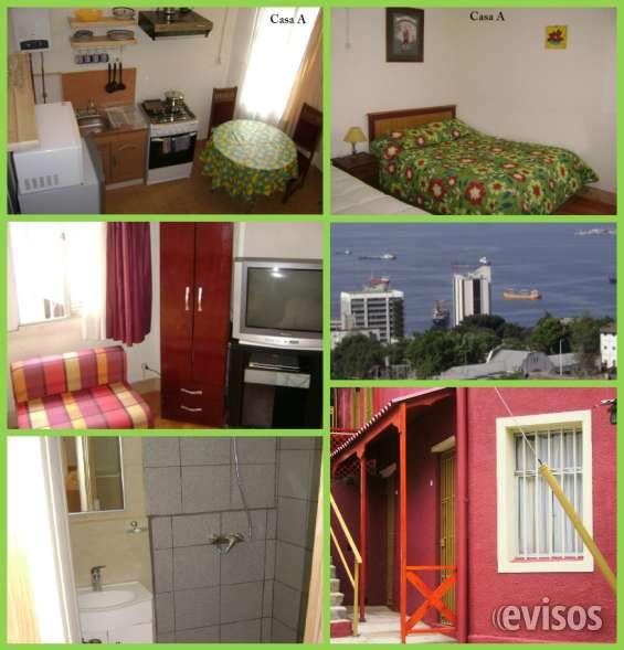 Buscas alojamiento en valparaiso, tvcable y wifi arriendo diario apartamento amoblado independiente  costo diario 1 o 2 personas $30000 (24 horas) costo diario 3 o 4 personas $35000 wasap +56 958505612 o teléfono fijo 322339961