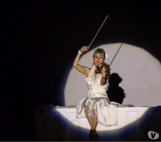Violinista katia miric para eventos , empresas , particulares, aniversarios , graduaciones