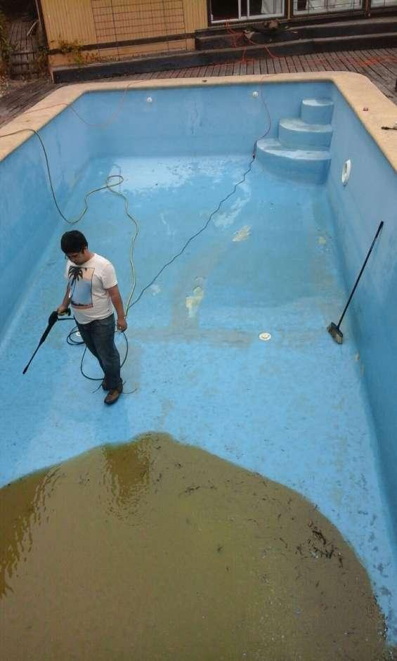 Pintura y reparación piscinas