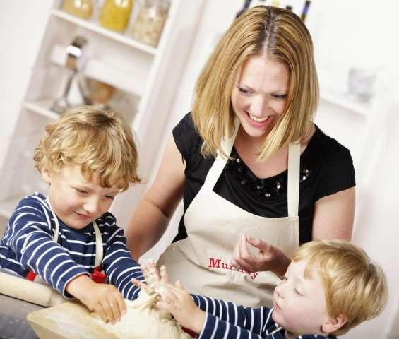Conductor confiable, niñera y niñera necesitan urgentemente