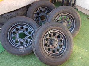 4 neumáticos con llantas originales para suzuki jimny goodride americanos 205-70-r-15
