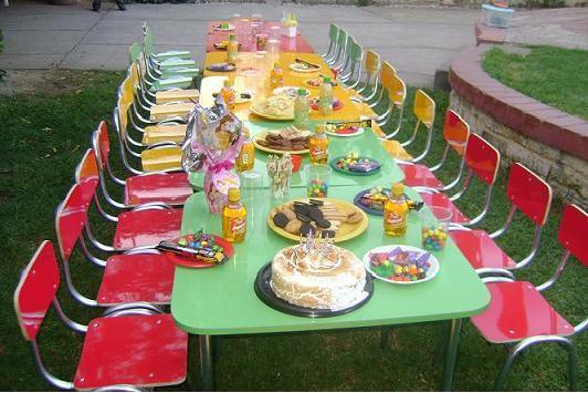 Arriendo cumpleaños niños mesas sillas