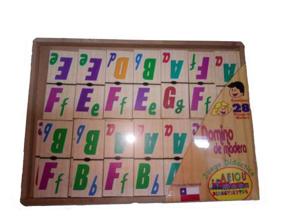 Dominó de madera en bandeja 28 piezas abecedario y transportes