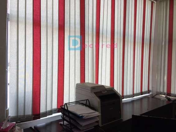Cortina vertical en tela rustica decored