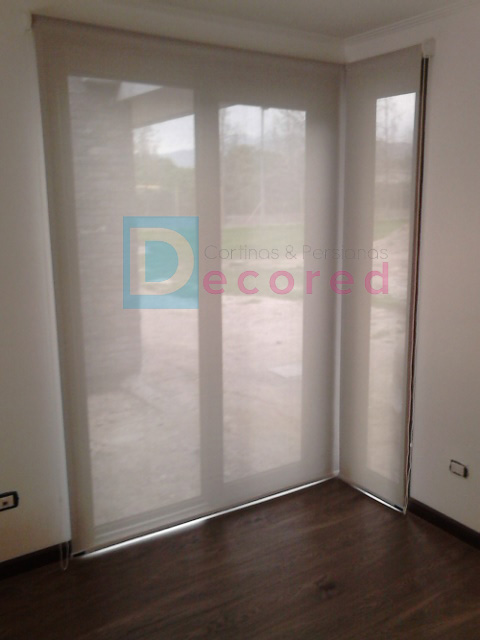 Cortina roller screen decored