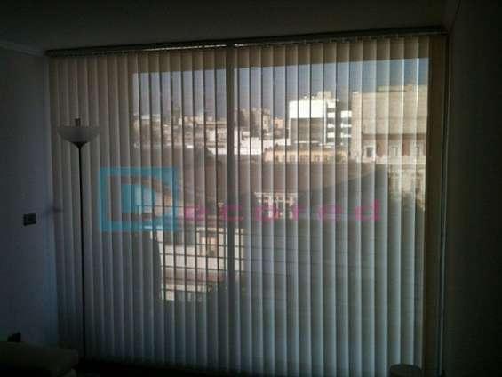 Cortina vertical en tela screen decored