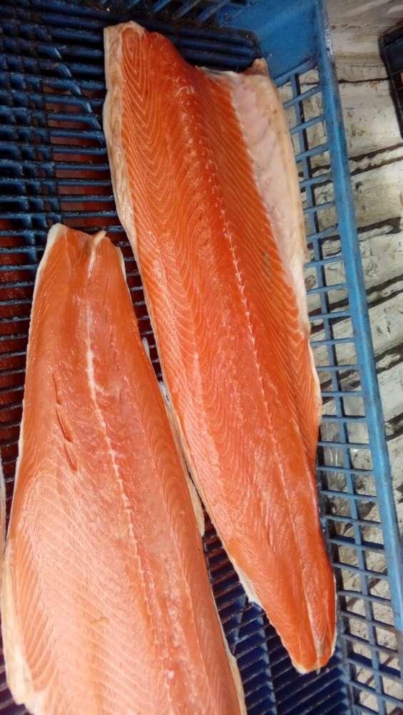 Salmon premium salar