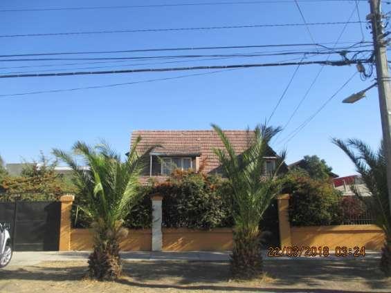 Excelente oportunidad: se vende casa con gran terreno