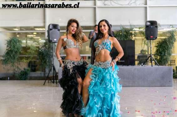 Show de danza arabe. bellas odaliscas para dia del padre