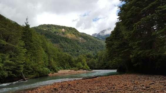 Terreno 114 hectáreas orilla río cóndor