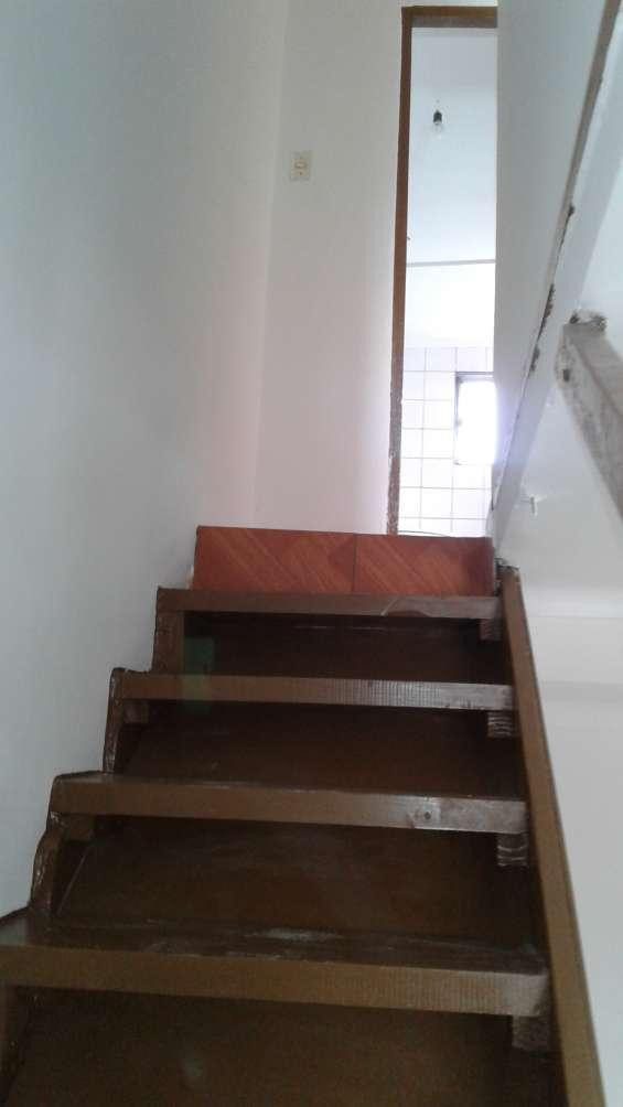 Accceso segundo piso