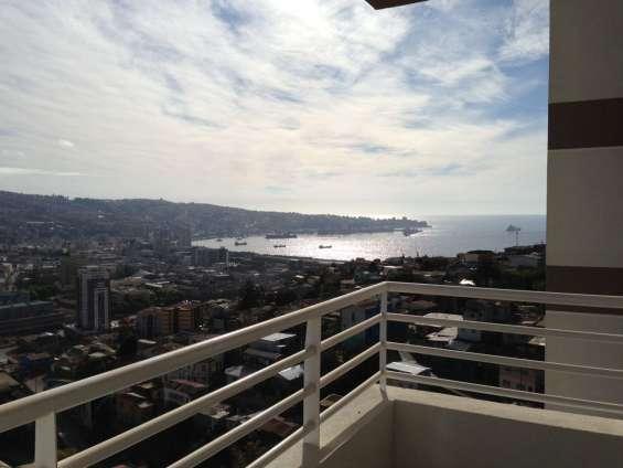 Arriendo dos habitaciones en departamento en valparaiso