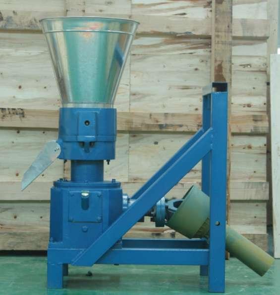 Maquina meelko para pellets con madera mkfd230p