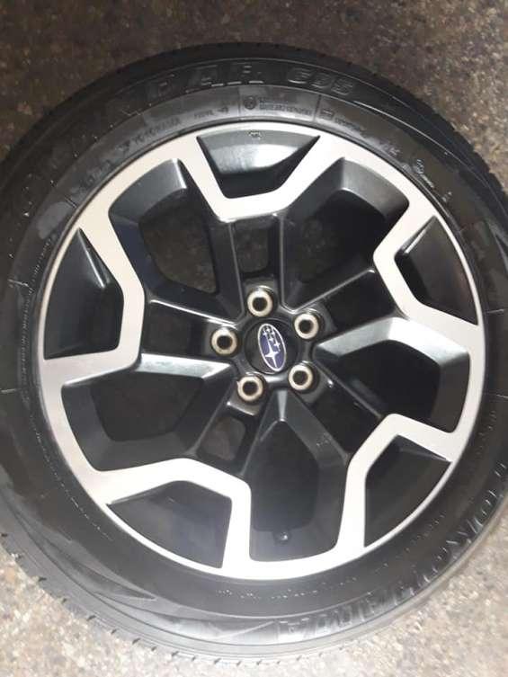 1 llanta con neumático como nuevo para subaru xv