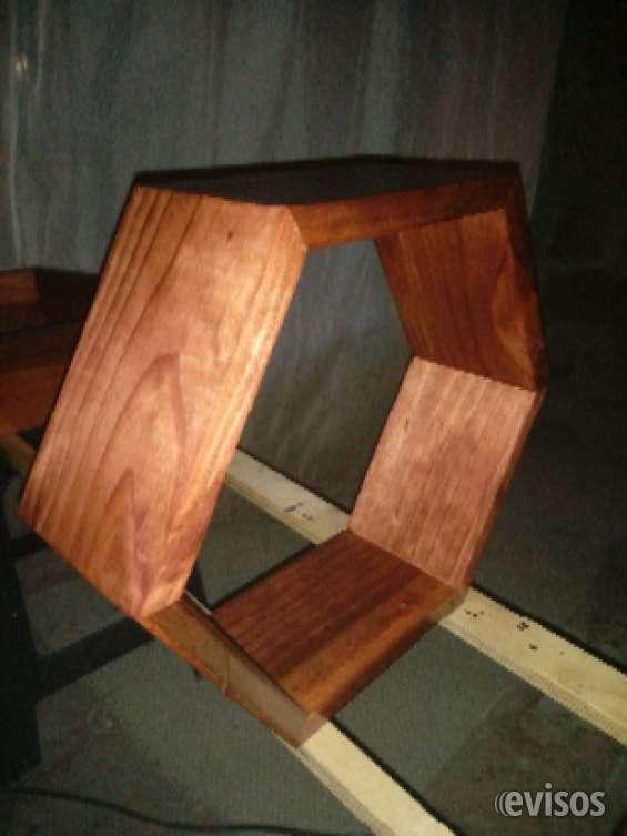 Repisas hexagonales de madera