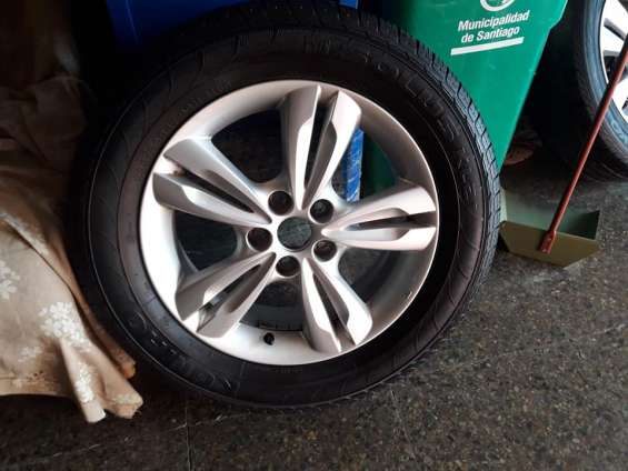2 llantas de magnesio con neumáticos hyundai tucson 2017