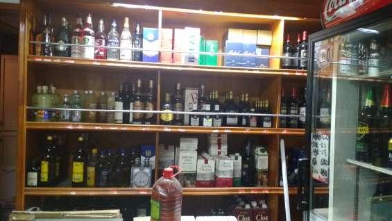 Casa en maipu con 2 locales comerciales botilleria y almacen