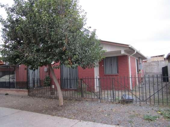 Linda casa en sector residencial, melipilla, santiago