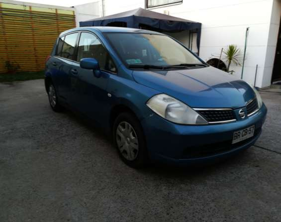 Nissan tiida hatchback full con aire 2008