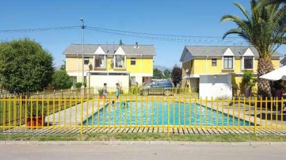 Se vende linda casa en condominio, linderos, buin.