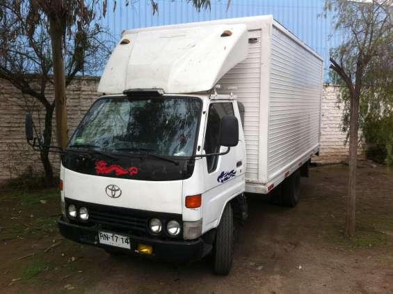Vendo camion toyota dyna 1997