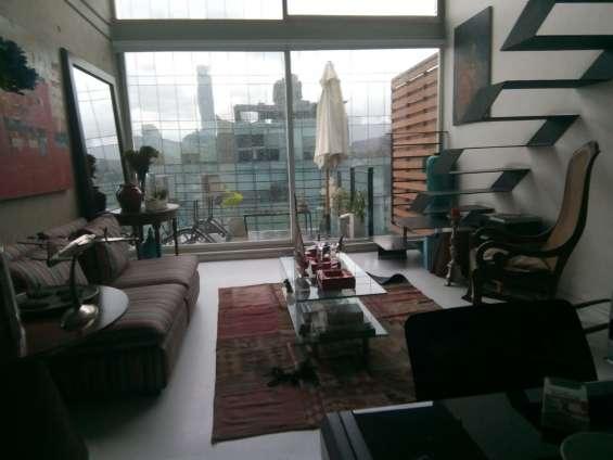 Arriendo espectacular loft último piso en providencia bellet loft