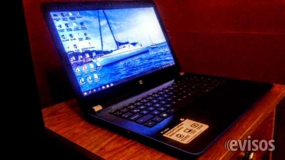 Se vende computadora portatil hp azul
