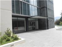 Arriendo oficina 41 m2, con 2 estacionamientos