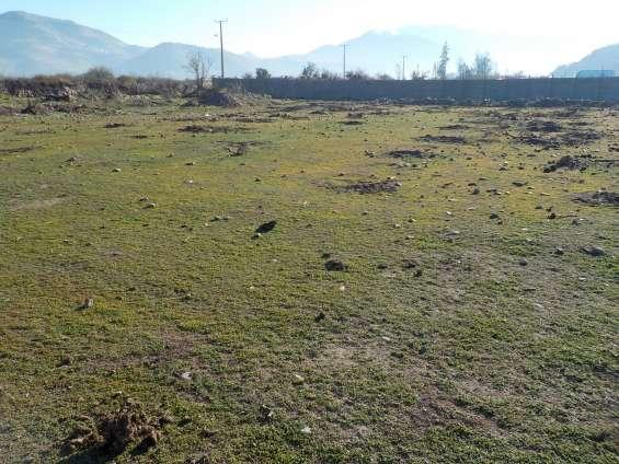 Dueño vende terreno plano de 8300 m2 con luz y agua ideal 3 familias