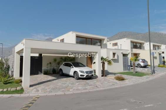 Hermosa casa en condominio altos de chamisero 4d+4b